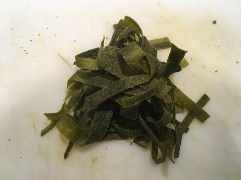 Raw spinach tagliatelle