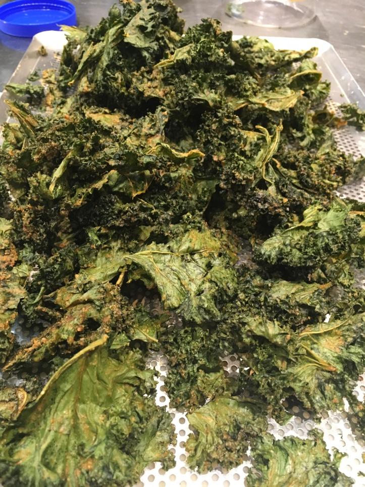 Kale cheesy crisps