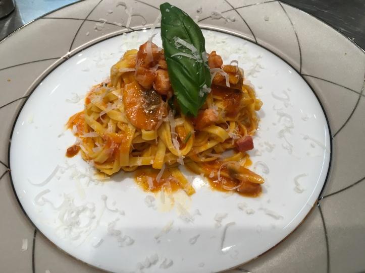 Tagliatelle bacon and mushroom spicey tomato sauce